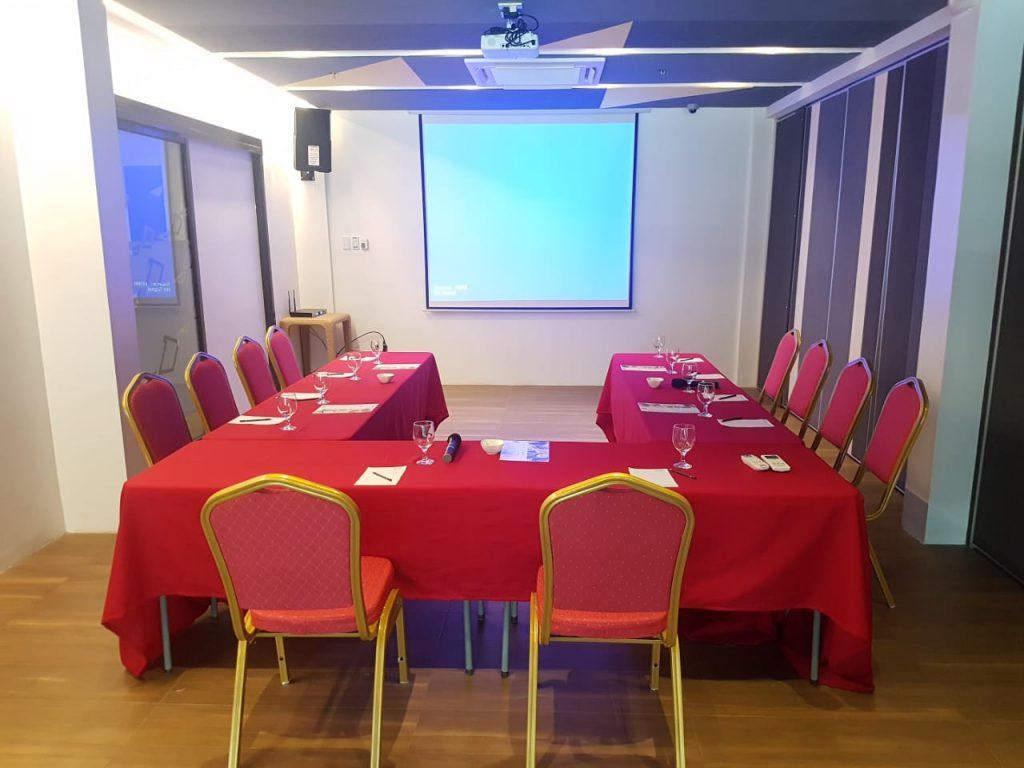 yello hotel mezza event room